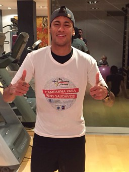 Neymar supports World Kidney Day